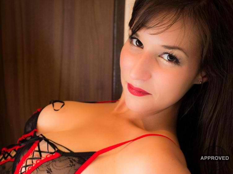 Sexy Girl braucht Sex gleich hier im Cam Chat